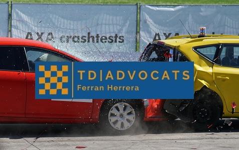 Daños vehículo accidente tráfico